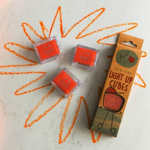 Glo Pals Light Up Water Cubes: Red
